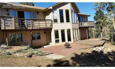 745 Scrub Oak Road, Manitou Springs, Colorado