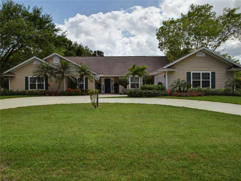 One of Vero Beach 4 Bedroom Homes for Sale